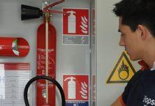 Reconnaître les panneaux de la sécurité pour guide file
