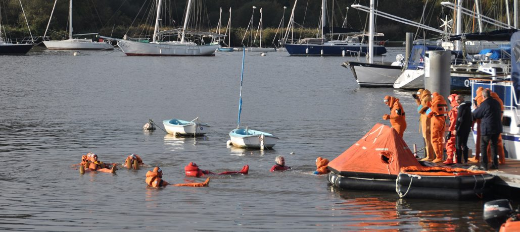 Une formation à la sécurité en mer