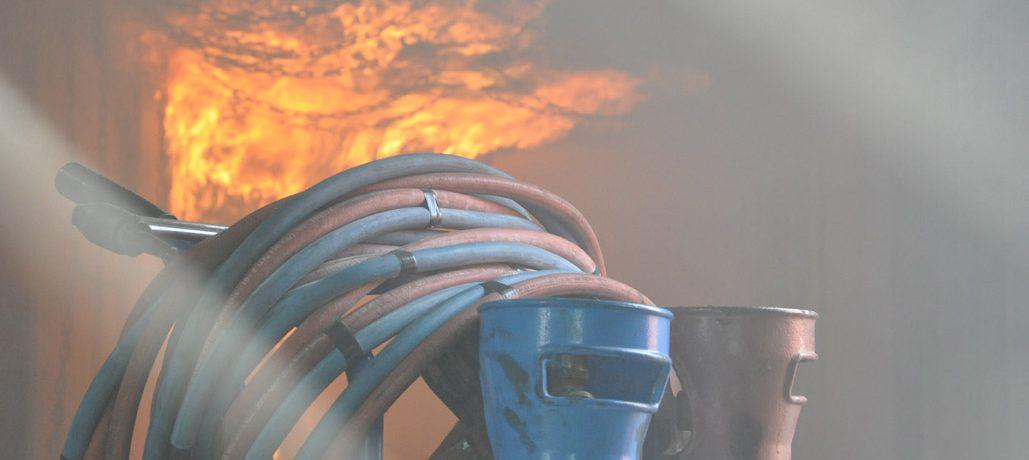 Incendie près de bonbonnes de gaz