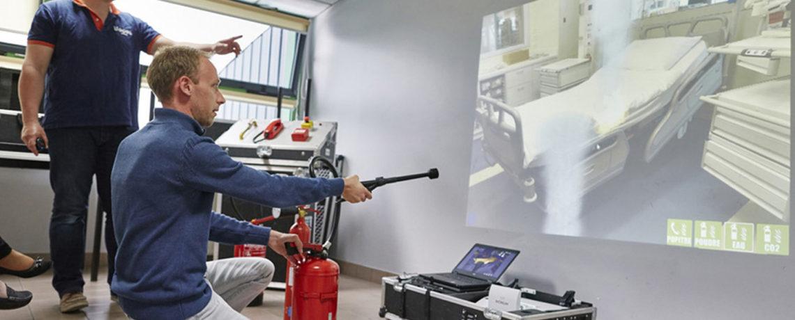 Formation manipulation des extincteurs sur simulateur par Ifopse Centre de formation sécurité en entreprise & incendie